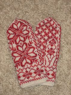 Found free pattern chrysthanthemum mitts on the web turned out great!!