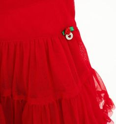Complemento imprescindible en nuestros Outfits Mim-Pi, Faldas Mim-Pi en tul, para las Mim-Pi Princesas, en rojo pasión, azul cielo o rosa dulzura. Sólo tu eliges. Feliz Viernes.