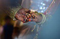 Funny Wedding Wishes in Hindi – मजेदार शादी की काम… – funny wedding New Fashion Trends, Retro Fashion, Vintage Fashion, Henna, Life After Marriage, Indian Wedding Planner, Wedding Planners, Destination Wedding, Wedding Background
