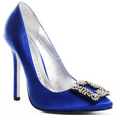 Carrie Bradshaw's Manolo Blahnik wedding shoes!! #SexandtheCity #SomethingBlue