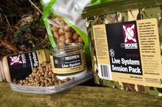Il nuovo Live System Session Pack è il pacchetto completo dell'omonima linea per affrontare una sessione di pesca. E' composto da una confezione da 1 kg di boilies Live System da 15 mm, da un barattolo di pop-up sempre da 15 mm, dal Bait Dip da 250 ml, e infine da 2 kg di pellet da 6 mm. Il tutto in un comodo secchiello mimetico. https://www.pagliarinifishing.it/Product_5733_LIVE_SYSTEM_SESSION_PACK #CarpFishing #Boilies #pescasportiva #pesca