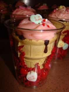 Valentine's Sundae cone - cupcake