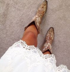 Cowgirl**.....rockimg the detailed boots and lace white dress