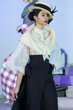 Here& a Look at Today& Modern Baro& Saya Modern Filipiniana Gown, Filipiniana Wedding, Maria Clara Dress Philippines, Filipino Wedding, Filipino Fashion, Philippines Fashion, Filipino Culture, Baro't Saya, Traditional Dresses
