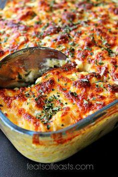 chicken alfredo bake Leftover Ham Casserole, Chicken Alfredo, Juicy Steak, Pasta Bake, Baked Chicken, Chicken Recipes, Casserole Recipes, Lasagna, Macaroni And Cheese