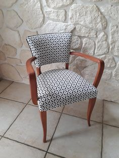 fauteuil bridge entièrement refait à neuf Decor, Furniture, Chair Makeover, 50s Chairs, Chair, Armchair, Office Waiting Room Chairs, Dining Table Chairs, Couch Chair