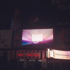 I want that screen size.  #timessquare #billboard #NYC #macintosh #snowleopard