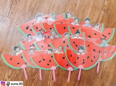 @eune.93 선생님 수박냠냠부채 . . #아동미술 #만들기수업 #만들기활동 #여름 #수박 #어린이집 #만2세 #4세 #누리놀이 Crafts For Kids To Make, Kids Crafts, Diy And Crafts, Arts And Crafts, Paper Crafts, Classroom Crafts, Kindergarten Activities, Preschool Activities, Fruit Crafts