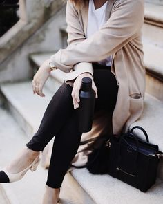 """3,526 Likes, 97 Comments - ALYSSA LENORE • NEW YORK CITY (@alyssa.lenore) on Instagram: """"My outfits are like Switzerland. Neutral. 🍂"""""""