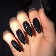 Sparkly Acrylic Nails, Black Nails With Glitter, Almond Acrylic Nails, Best Acrylic Nails, Glitter Nails, Edgy Nails, Stylish Nails, Dark Color Nails, Black Almond Nails
