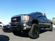 GMC truck. Pure 100% sexiness.! -cmh- Jacked Up Trucks, Gm Trucks, Chevy Trucks, Pickup Trucks, Future Trucks, Gmc Pickup, Trucks And Girls, Big Black, Hot Wheels