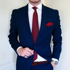 Blue with red great combination Blazer Outfits Men, Blazer Fashion, Mens Tailored Suits, Mens Suits, Gents Fashion, Mens Fashion Suits, Navy Blue Suit Combinations, Blue Suit Men, Designer Suits For Men