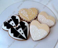 пряники свадебные - Поиск в Google Ginger Cookies, Edible Arrangements, Valentine Cookies, Wedding Cookies, Cookie Designs, Royal Icing, Cookie Decorating, Hearts, Crafty