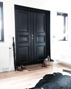 Pretty in black   hallway doors More