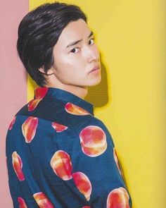 Kento Yamazaki   #山﨑賢人 #kentoyamazaki #一日一賢人  #kentosphoto  #actor  #suit #peach