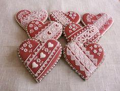 Srdíčka v červené Dekorativní předmět Cena je za 1 ks ve velikosti 10 cm,balený… Edible Cookies, Iced Cookies, Royal Icing Cookies, Cookie Desserts, Sugar Cookies, Valentine Cookies, Holiday Cookies, Be My Valentine, Valentine Hearts