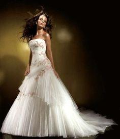 Взять в прокат Женская одежда Платья Свадебное платье Benjamin Roberts  Москва
