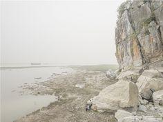 Between the mountains and water : ZHANG KECHUN