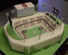 Stanford Stadium by robynlovescake, via Flickr Learn how to create your own amazing cakes: www.mycakedecorating.co.za #cake #baking