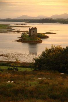 Stalker Castle, Scotland. Photo via hickoryflat