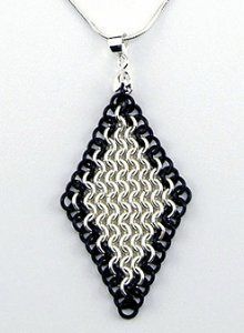 European 4-in-1 Diamond Chainmail Pendant
