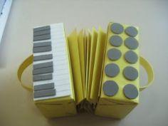 Meus Trabalhos Pedagógicos ®: Como fazer uma sanfona de caixa de leite