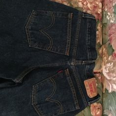 Levi's jeans 550 relaxed fit boys Levis - 29x29 that have been hemmed to now be 27 in length. Very good condition. Like brand new. Levi's Bottoms Jeans
