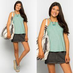 How cute is our skirt!!! NEED!!! #nicoli #nicolimoda #moda #fashion #cool #nice #lomasin #lovely #cute #awesome #summer  http://www.nicoli.es/tienda/Minifalda-cremallera-raya-gris-antracita.html