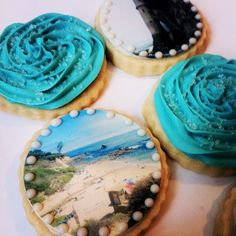 What to do with all those great vacation snapshots you took? Create custom photo cookies with them and send them to your vacation host as a 'thank you' gift! #giftideas #vacation #fashionablysweettreatscustomcookies