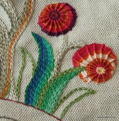 I like the coloring on the leaves #embroidery #flowers