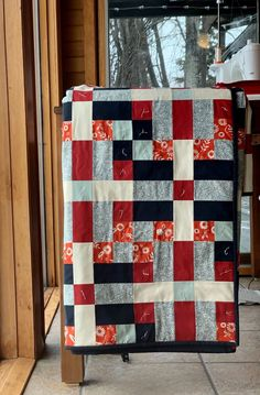 Lockstep quilt pattern PDF download. Modern quilt in throw and queen sizes. Tester version by Kendra from Piece Fabric Co. Pouffe Pattern, Star Patterns, Quilt Patterns, In Writing, Bed Sizes, Queen Beds, Ruler, Favorite Color, Craft Supplies