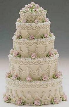 old fashioned wedding cakes Elegant Wedding Cakes, Beautiful Wedding Cakes, Gorgeous Cakes, Wedding Cake Designs, Pretty Cakes, Amazing Cakes, Super Torte, Gateaux Cake, Unique Cakes