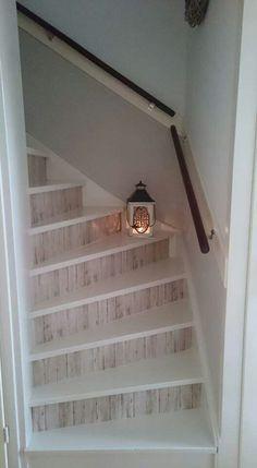 Prachtige trap met plakfolie!