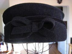 FILM NOIR Vintage Black Felt Wool Pillbox Bow Womens by Glamaroni, $38.00