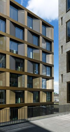 freischuetzgasse - By david chipperfield architects ©stefan müller Commercial Architecture, Facade Architecture, Residential Architecture, Contemporary Architecture, Chinese Architecture, Futuristic Architecture, Building Exterior, Building Facade, Building Design