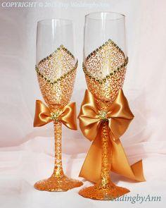 Royal Gold Wedding Glasses, Wedding Champagne Flutes, Bride And Groom… Wedding Wine Glasses, Diy Wine Glasses, Decorated Wine Glasses, Wedding Champagne Flutes, Painted Wine Glasses, Champagne Glasses, Purple Wedding, Gold Wedding, Wedding Gifts
