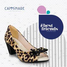 A estampa de ONÇA dominou as passarelas nesta estação, destacando-se a versão em cores clássicas. Experimente combinar calçados de oncinha com um look em cores básicas, fica o máximo! ❤️ #camminare #shoes #love