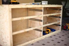 Oct 2019 - Free printable PDF plans with step by step instructions of how to build a DIY 6 drawer dresser. Easy to build using basic tools. Diy Dresser Plans, Diy Furniture Plans, Farmhouse Furniture, Woodworking Furniture, Furniture Projects, Bedroom Furniture, Built In Dresser, Six Drawer Dresser, Wood Dresser