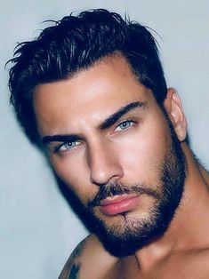 tento pin objevil(a) alois. Beautiful Men Faces, Gorgeous Eyes, Male Eyes, Male Face, Blue Eyed Men, Scruffy Men, Handsome Faces, Handsome Arab Men, Moustaches
