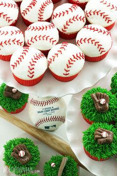 Worth Pinning: Major (or Little) League Baseball Cupcakes Birthday School Party Ideas Baseball Birthday Party, Boy Birthday, Birthday Parties, Birthday Ideas, Sports Birthday, Birthday Cupcakes, Softball Party, Thomas Birthday, Half Birthday