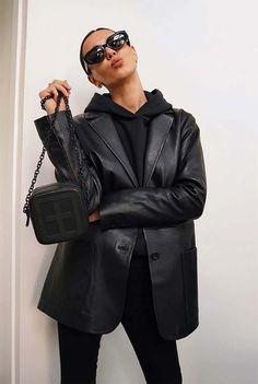 Black Leather Blazer, Leather Jacket Outfits, Blazer Outfits, Leather Jackets, Winter Fashion Outfits, Fall Outfits, Travel Outfits, Fashion Fashion, High Fashion