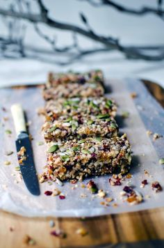 Quinoa fruit and nut bars | recipe from heneedsfood.com