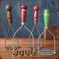 vintage kitchen tools - we had the big red potato masher in the center and I bel. - vintage kitchen tools – we had the big red potato masher in the center and I believe the green on - Old Kitchen, Kitchen Items, Kitchen Tools, Kitchen Utensils, Primitive Kitchen, Bella Kitchen, 1950s Kitchen, Primitive Decor, Kitchen Art