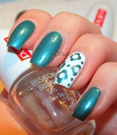 try that accent nail with hexagons
