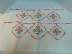 Vintage Linen Pillowcases Crocheted Roses and by Lynnestreasures