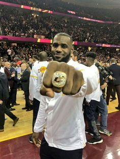 LeBron James ... Championship Ring ...