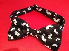 Mustache Bow tie wedding brooch corbata nudo pajarita por YBatchi
