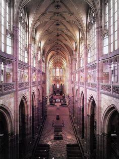 Saint Vitus Cathedral, Prague http://www.citiestalking.com/