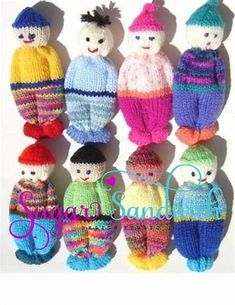PDF Version Comfort Doll Knitting Pattern Easy to Make 5 Inch knitted Pocket Doll Baby Knitting Patterns Toys I tried it. I'd love to make some of these for Operation Christmas Child shoeboxes! Baby Knitting Patterns, Loom Knitting, Knitting Designs, Knitting Projects, Hand Knitting, Crochet Patterns, Knitting Ideas, Knitted Teddy Bear, Teddy Bears