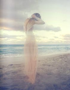 Pisces - Dreamy beauty... David Bellemere - http://www.simplysunsigns.com/